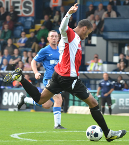 CLINCHER - Loick Pires fires in Woking's winner