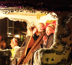 FLOATING THEIR BOAT – a royal carriage takes the Queen to light the bonfire