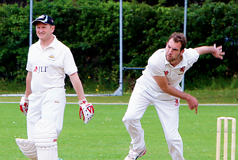 BOWLED OVER FOR BEDSERS – seamer Paul Norris in full flow during the carnival of cricket (Pictures by Marilyn Taylor)