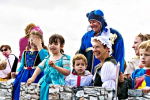 HOLDING THE FORT – West End Toddler Group in the safety of the castle