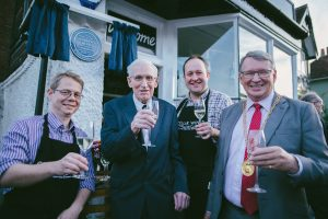 wnm-cellar-wines-4-andy-walton-3rd-from-left